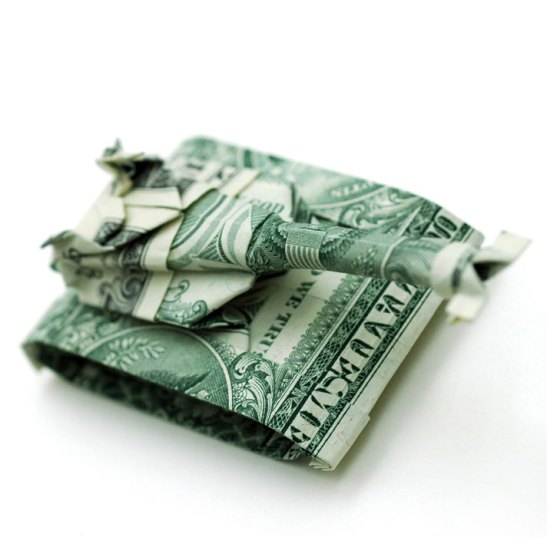 http://gurn.files.wordpress.com/2009/01/dollar_origami_by_won_park_yatzer3-tank.jpg